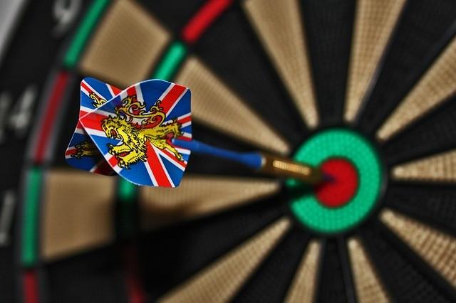 darts-673229_640
