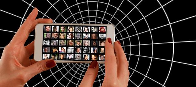 smartphone-1445487_640